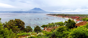 To cross the magical path between the heaven of Lembongan and the Gilis' paradises; the most conve..